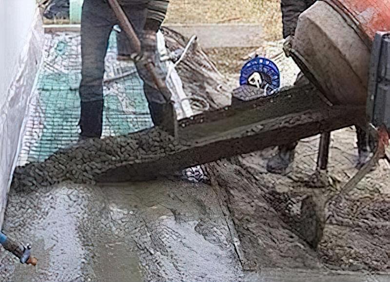 Як зробити бетонну відмостку 1