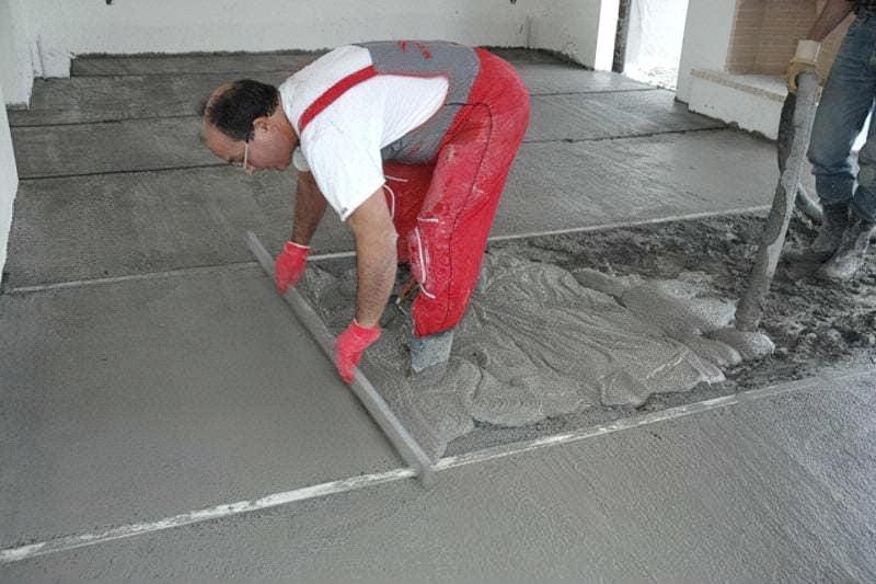 Як зробити стяжку підлоги у себе вдома — рекомендації та інструкції 5