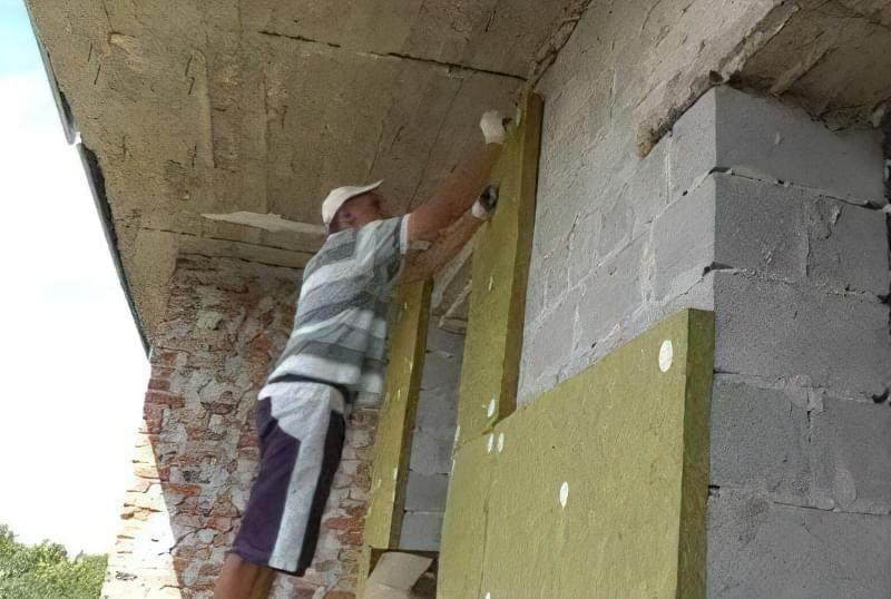 Підготовка поверхні стін