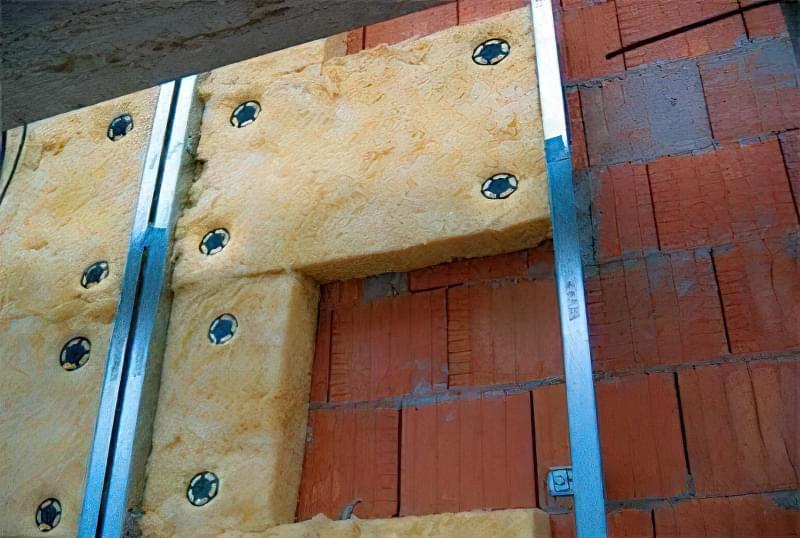 Чому потрібно утеплювати і яка повинна бути товщина утеплювача для стін з керамзитобетонних блоків 1