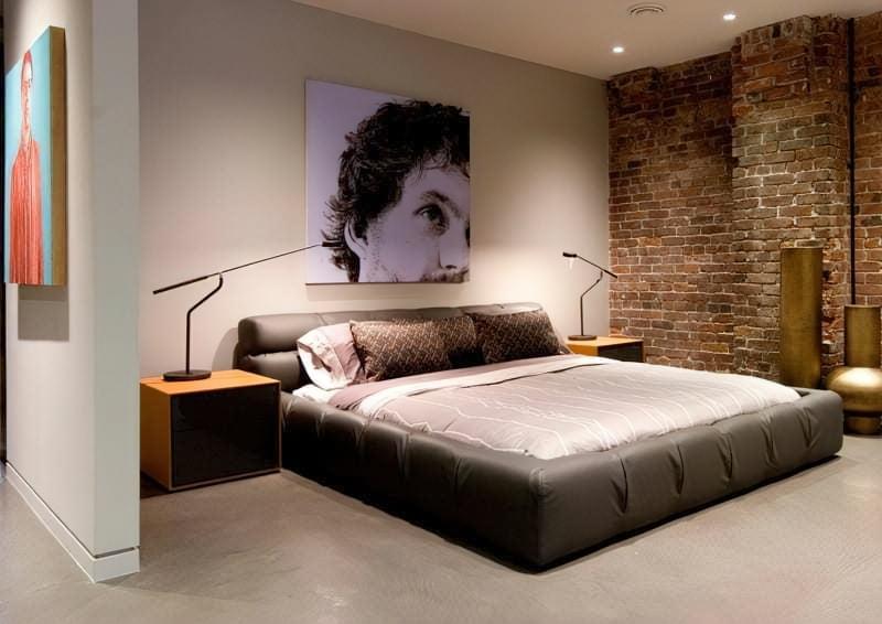 Цегляна стіна в інтер'єрі спальні фото