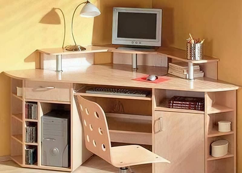 Як вибрати письмовий стіл для школяра? 1