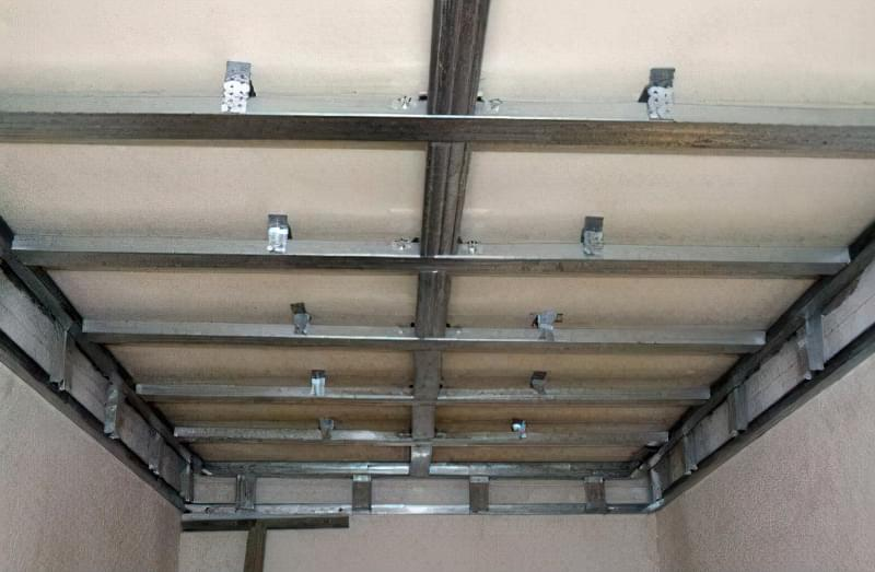 Як зробити стелю з пластикових панелей у ванній і на кухні? 9