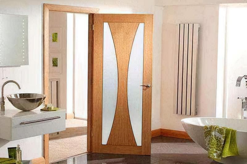 Двері для ванної: огляд варіантів і рекомендації по вибору