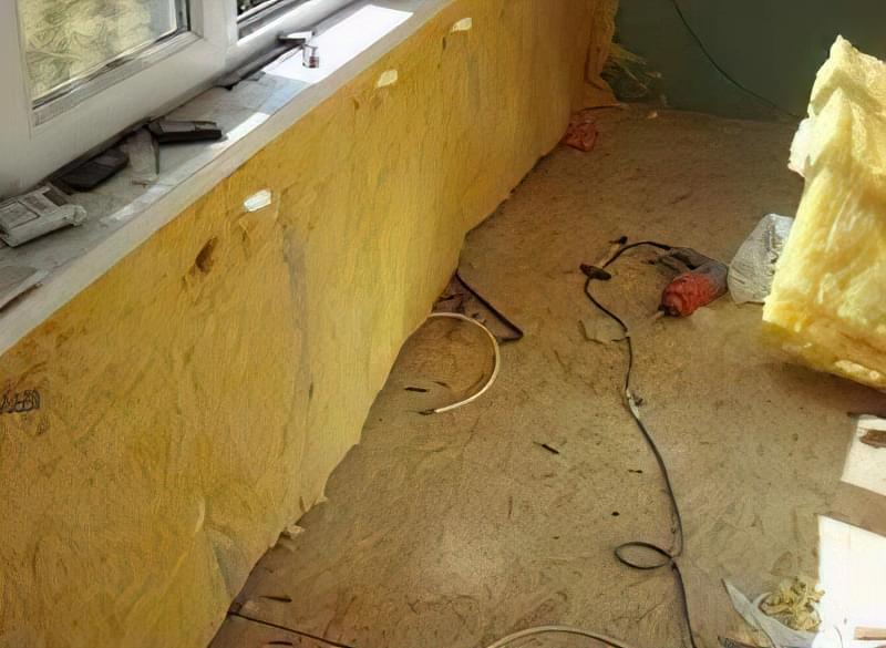 Укладання пароізоляції і обробка підлоги на лоджії