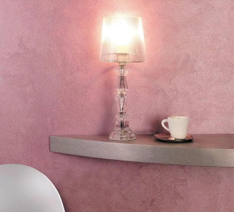 Декоративна штукатурка вишукано виглядає на стіні