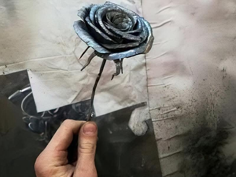 Як зробити троянду з металу своїми руками 6