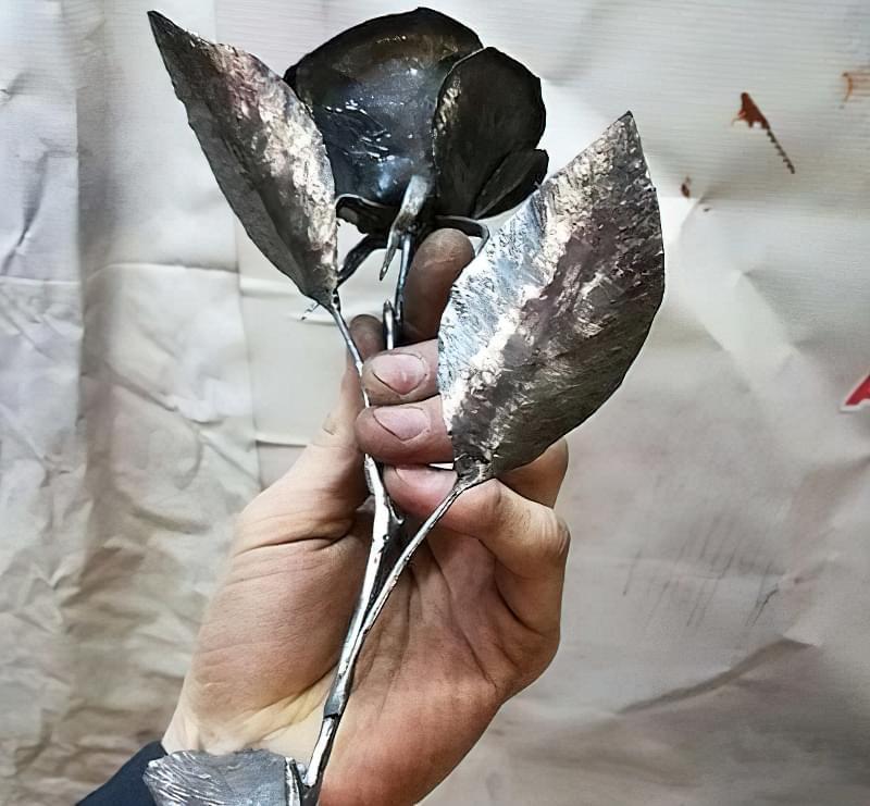 Як зробити троянду з металу своїми руками 7