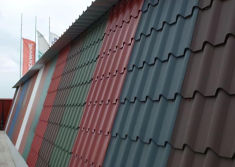 Які бувають кольори металочерепиці для даху 1