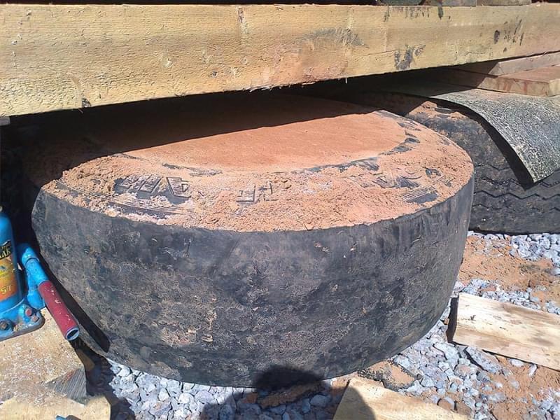Фундамент зі старих покришок своїми руками 7