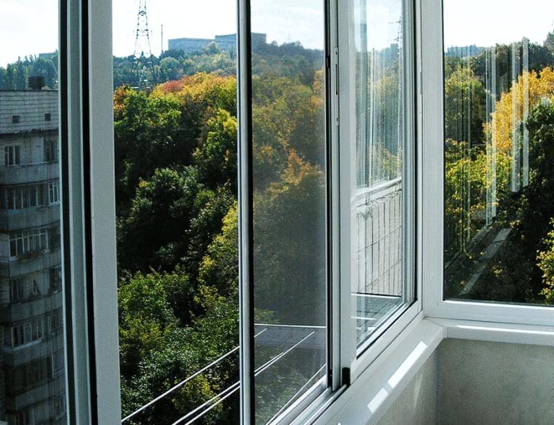 Москітна сітка на балконні двері 3