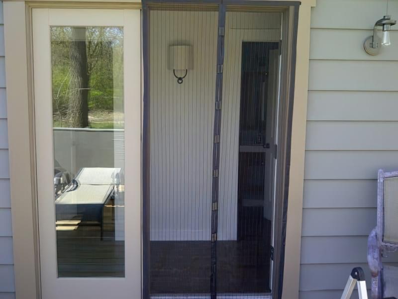 Москітна сітка на балконні двері