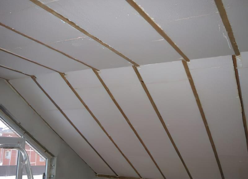 Чим і як краще утеплити дах на балконі 3