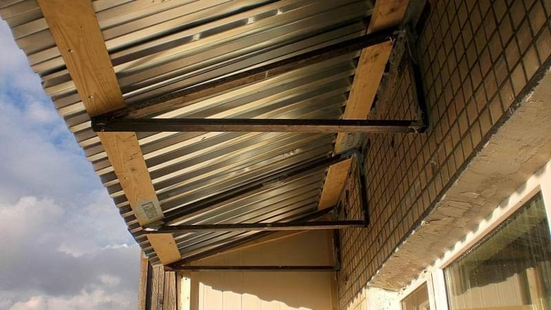 Чим і як краще утеплити дах на балконі 1