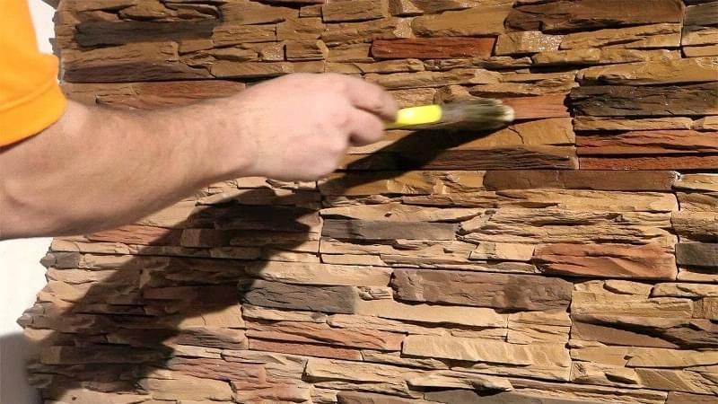 Лак для цегли, бетону, каменю: навіщо потрібен, як вибрати 1