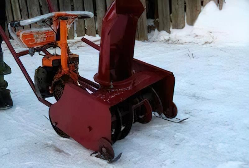 Снігоприбирач з бензопили
