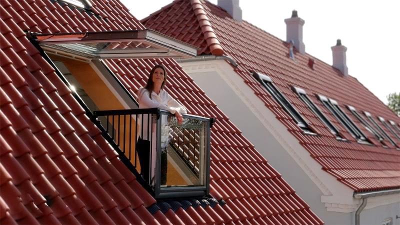 Карнизне вікно: особливості та приклади 5