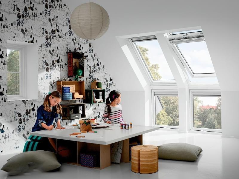 Карнизне вікно: особливості та приклади 6