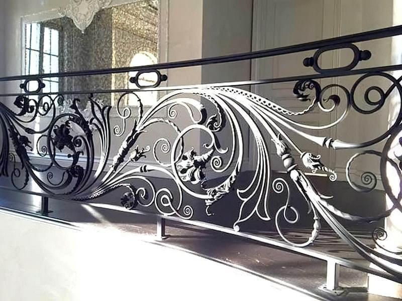 Ковані перила для сходів: види і застосування 4
