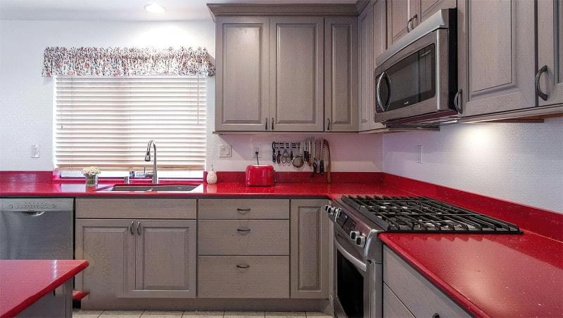 Якою має бути практична і довговічна кухня 1