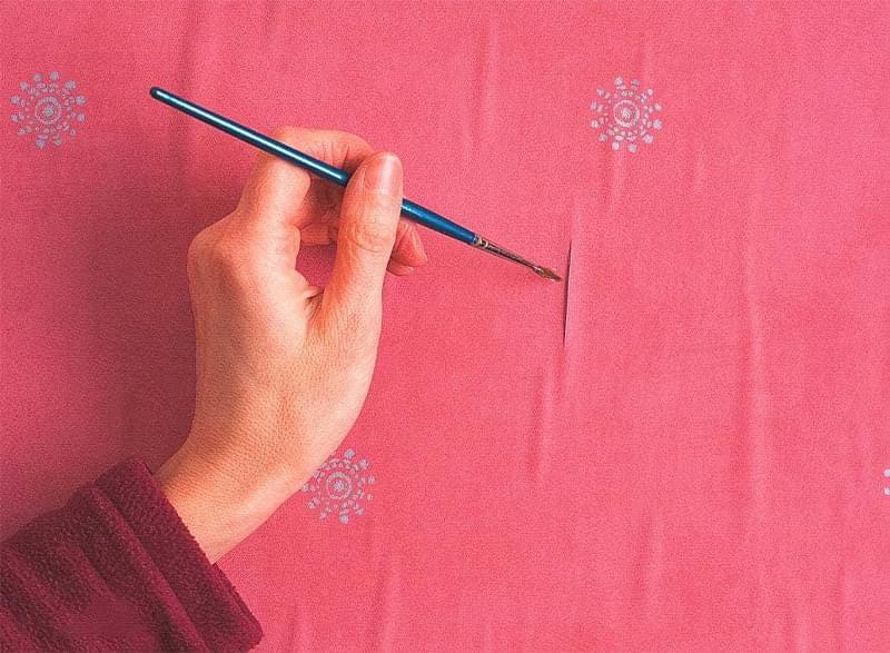 Прості способи прибрати бульбашки на шпалерах 4
