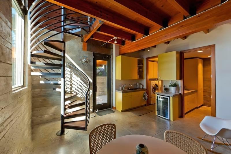 Вибираємо місце для сходів в будинку 7