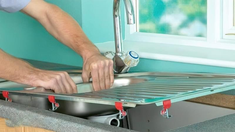 Як врізати мийку в стільницю своїми руками 4