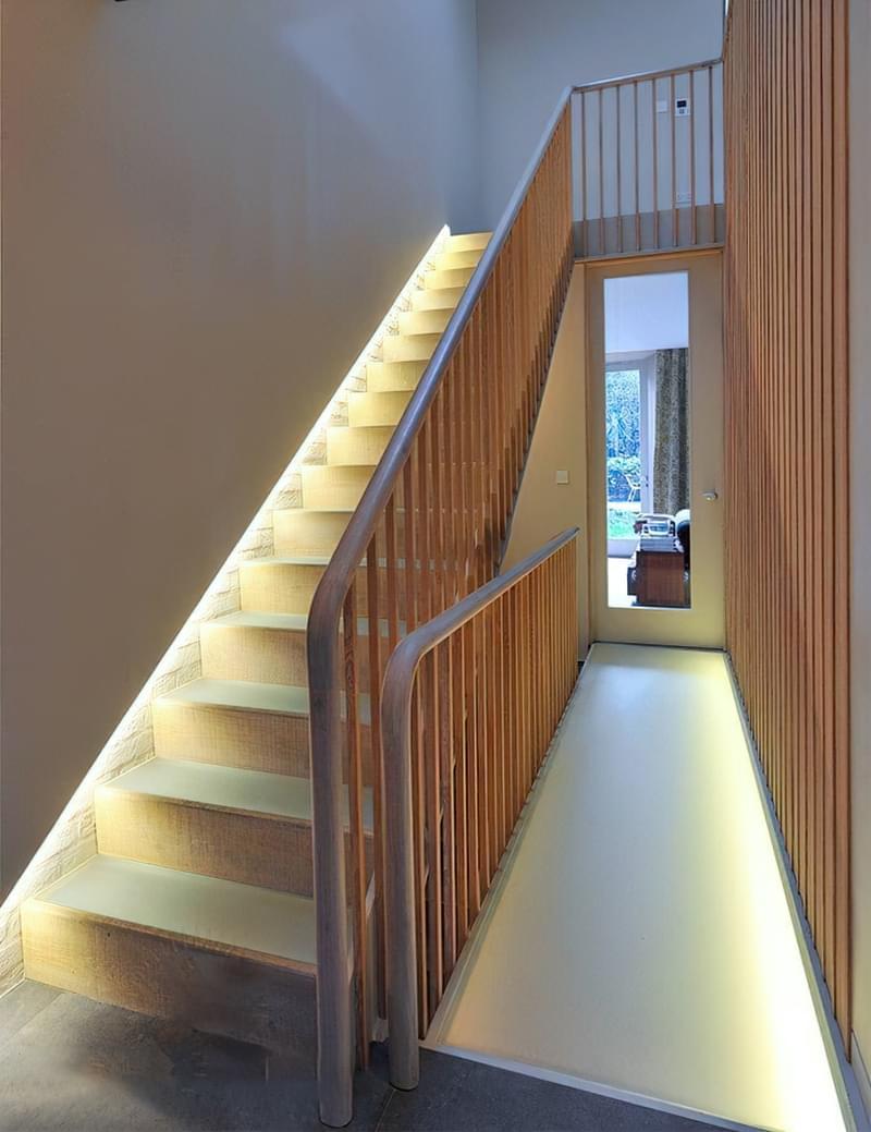 Варіанти підсвічування сходів в будинку 1
