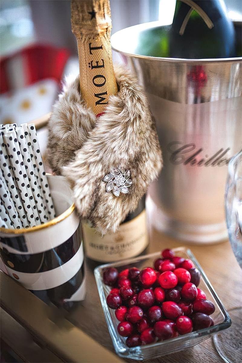 Ідеї як прикрасити пляшку шампанського до Нового року 13