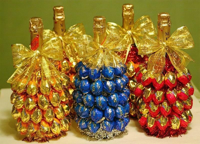 Ідеї як прикрасити пляшку шампанського до Нового року 10