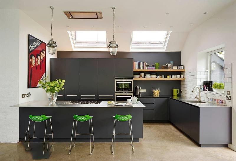 5 причин вибрати кухню з темними фасадами 2