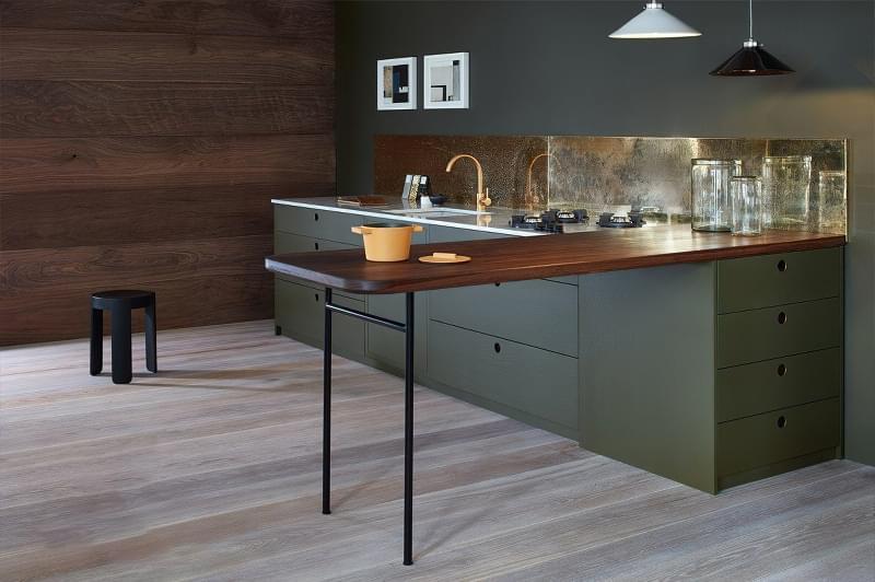 5 причин вибрати кухню з темними фасадами 4