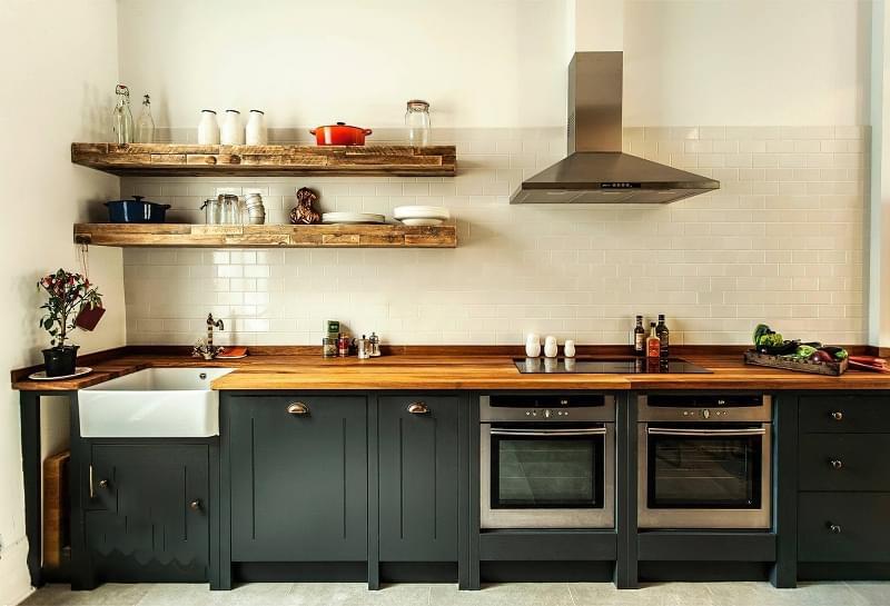 5 причин вибрати кухню з темними фасадами 5