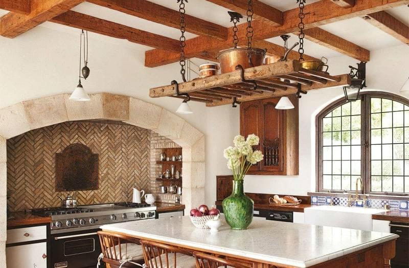 Ідеї зберігання великого посуду на кухні 3