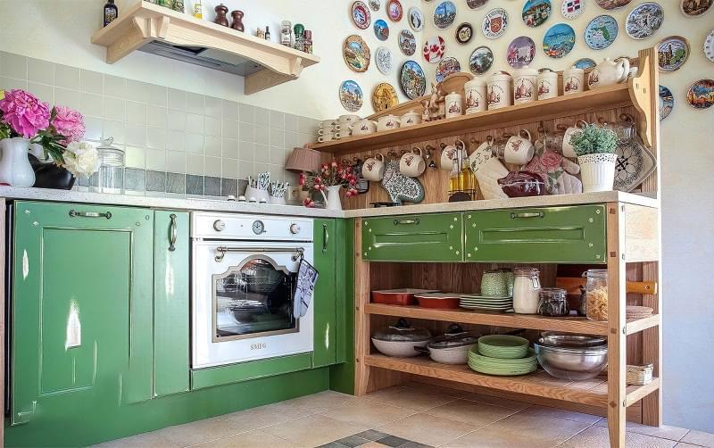 Ідеї зберігання великого посуду на кухні 4
