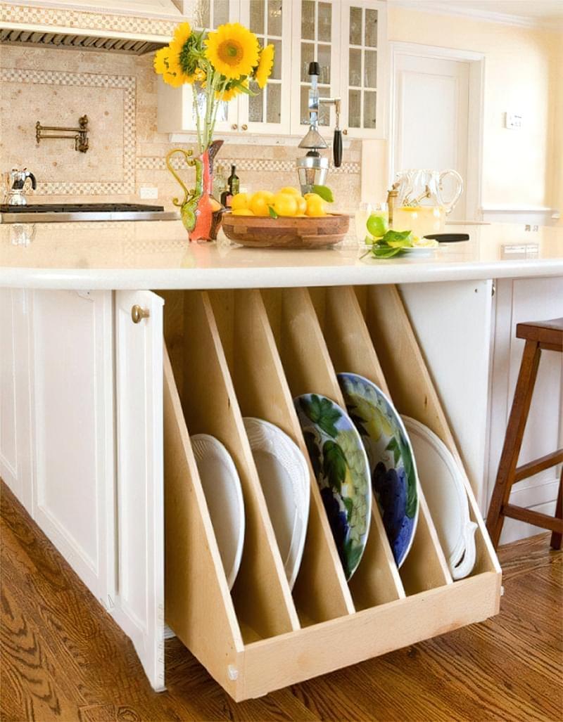 Ідеї зберігання великого посуду на кухні 8