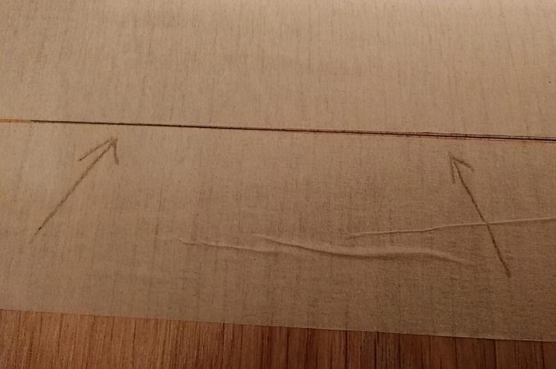 Щілини в ламінаті на підлозі: чим і як прибрати після укладання 8