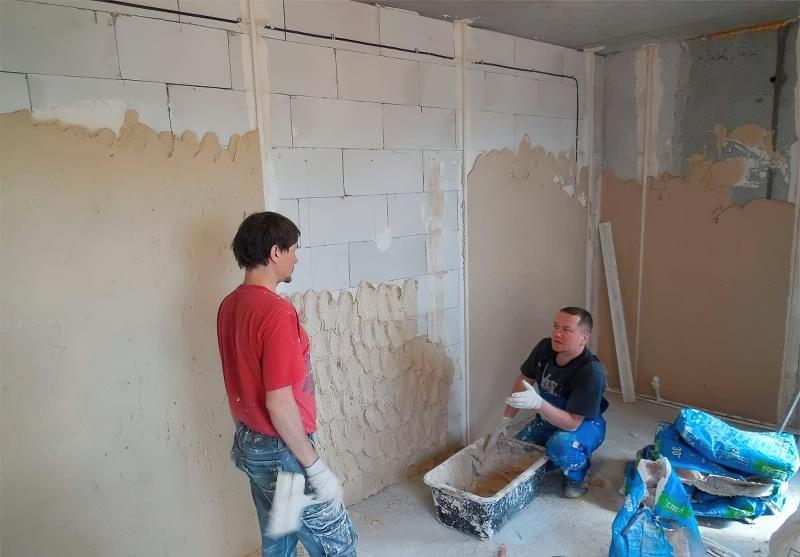 Штукатурна обробка газосилікатних стін 5