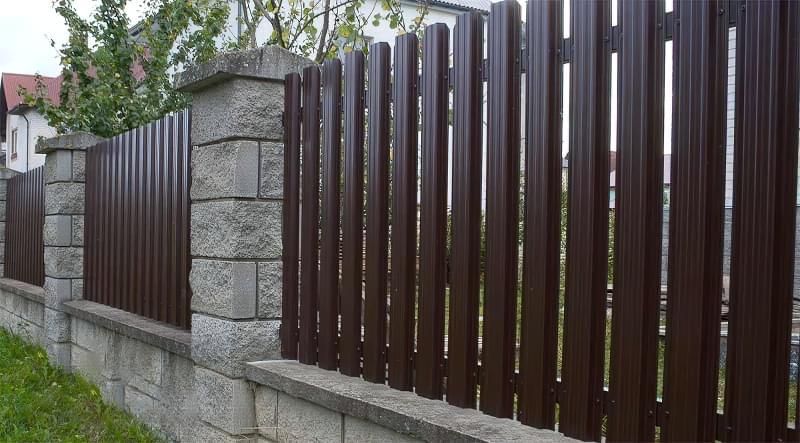 Сучасні варіанти парканів: єврожалюзі, металевий паркан, алюмінієві панелі 7