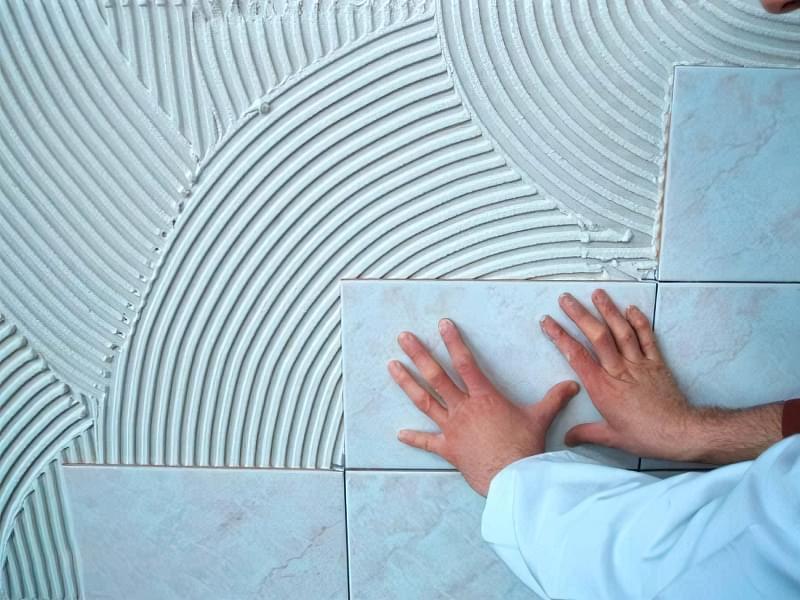 Укладання плитки на епоксидний клей: правила і вибір матеріалів 6