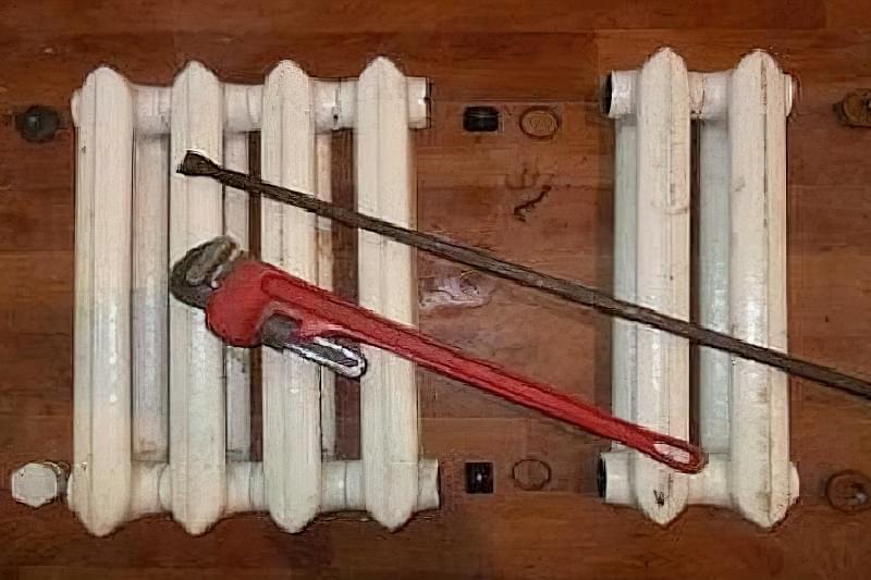 Як розібрати стару чавунну батарею 1