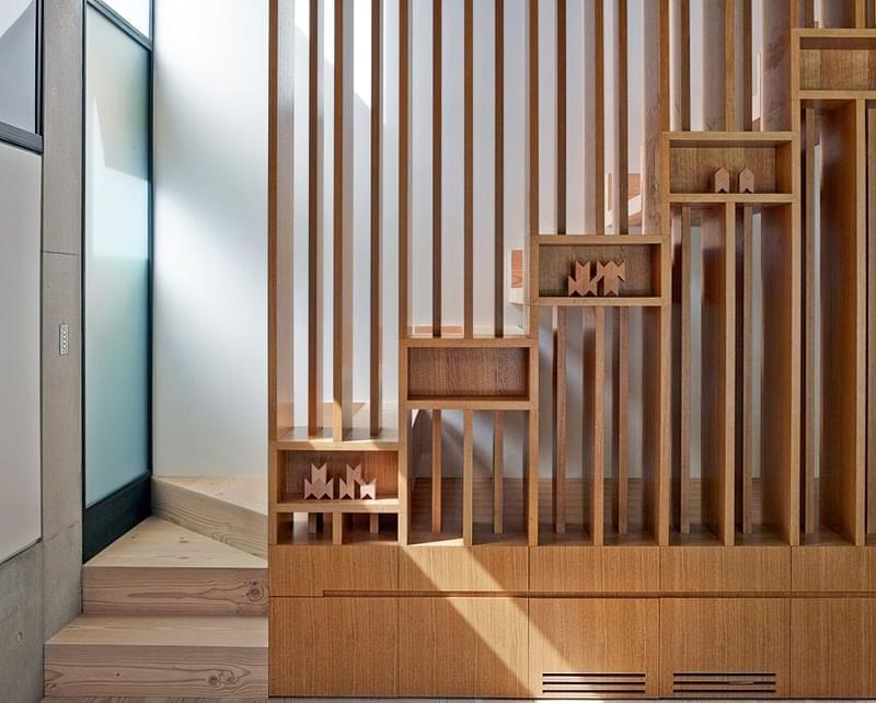 Ідеї облаштування місць зберігання під сходами 2