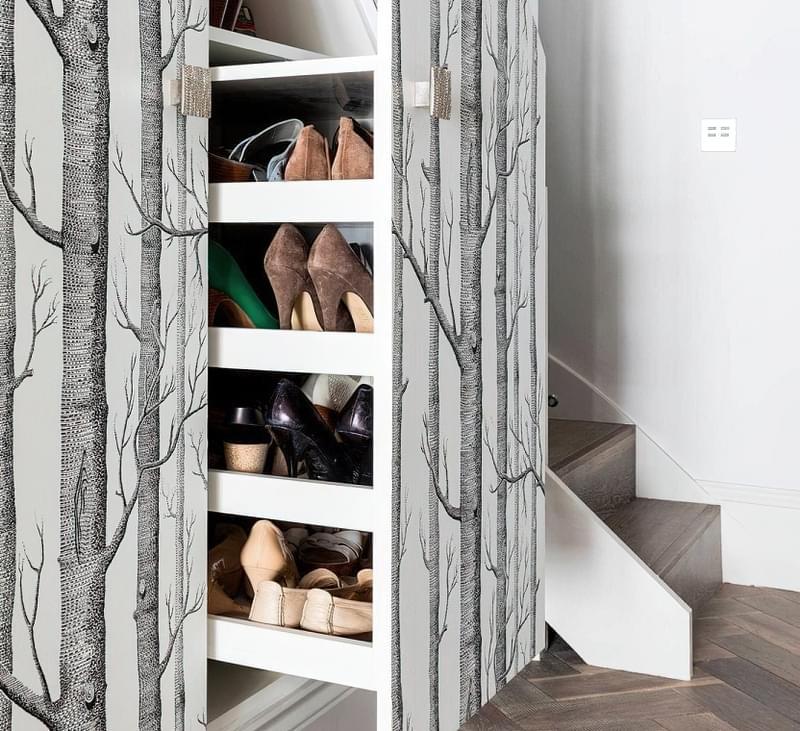 Ідеї облаштування місць зберігання під сходами 15
