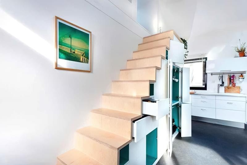 Ідеї облаштування місць зберігання під сходами 5