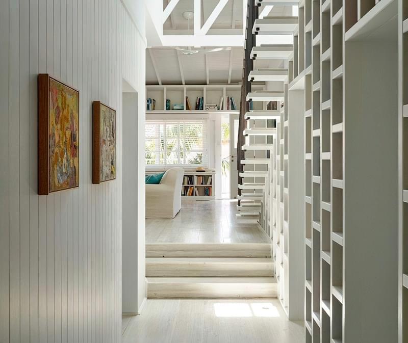Ідеї облаштування місць зберігання під сходами 1