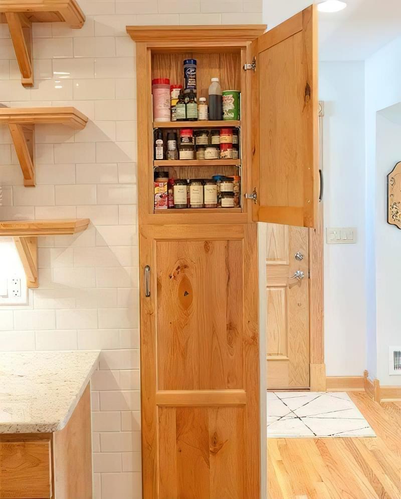 Шафа-комора на кухні: приклади, фото 5