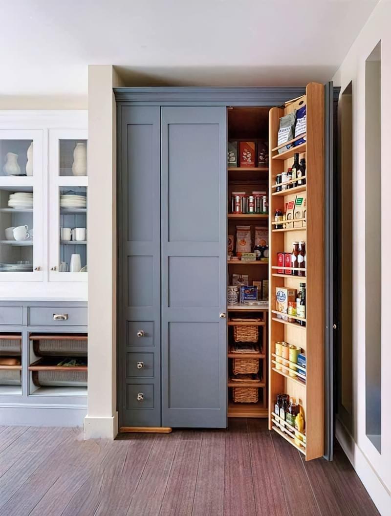 Шафа-комора на кухні: приклади, фото 8