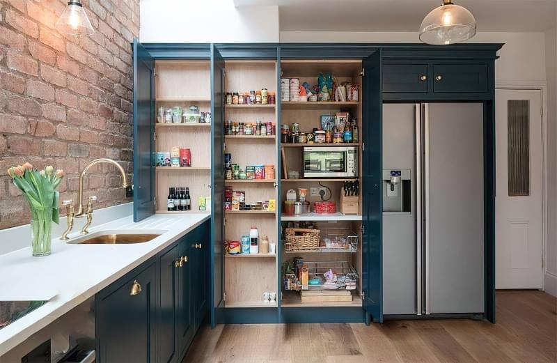 Шафа-комора на кухні: приклади, фото 1