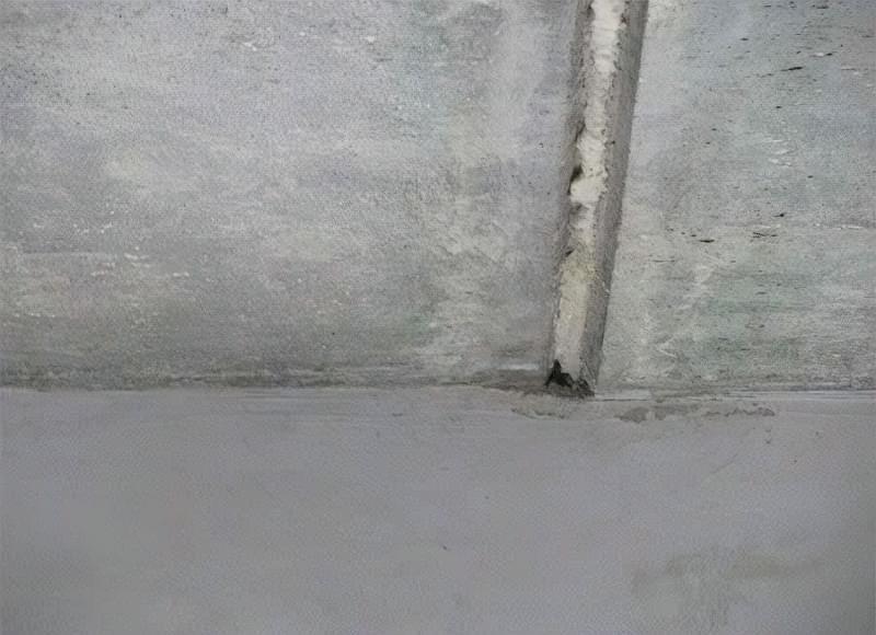 Як легко прибрати тріщини на стелі 4