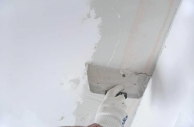 Як легко прибрати тріщини на стелі 5